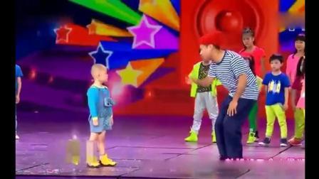 宋小宝和三岁小孩张俊豪斗起了舞, 这场面也太搞