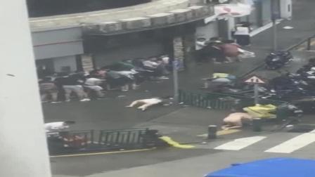 """""""天鸽""""袭来: 实拍深圳各地在台风下工厂、汽车、美女被吹垮的瞬间"""