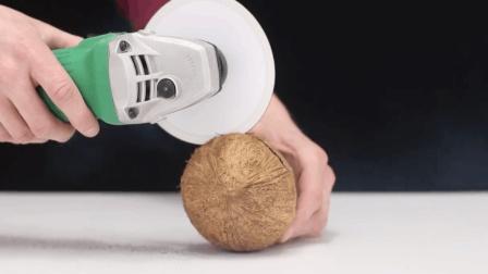 """纸的威力: 面包、塑料管、椰子通通一""""刀""""切!"""