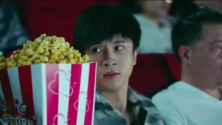 《我们的少年时代》蜜桃夫妇约会, 薛之谦李小璐超大爆米花看电影!