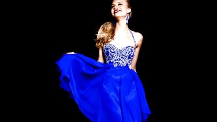 穿着蓝色蕾丝花边裙的美女们亮瞎了我的眼!