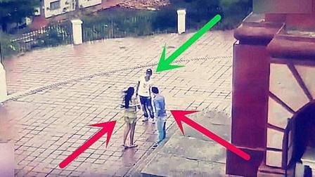 国外情侣公园约会被打劫, 小伙赃款还没进兜就被警察当场抓到!