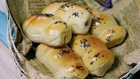 柔软好吃的热狗面包卷, 热狗面包卷的家常做法。