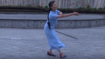 """藏族舞《山歌的故乡》(小春学舞2017.8.26傍晚摄于桂林訾洲公园""""诗画广场""""46.8kg)"""