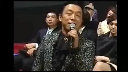 黄渤这个采访跟说相声似的, 掌声都没有断过。