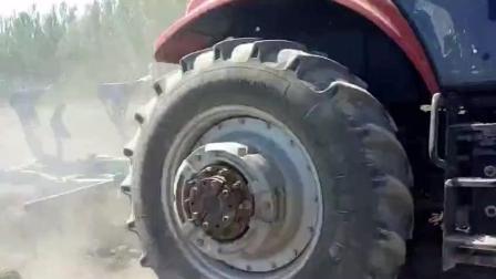东方红2204拖拉机拉百川犁耕作, 好车配好犁, 敢称效率王