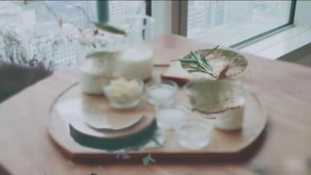 【白巧克力和绿茶布丁】免烤的梦幻甜点白巧克力和抹茶结合布丁是下午甜点的盛宴让人倍感