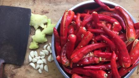 既好吃又简单的花生辣椒酱制作