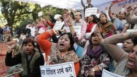 """""""印度大师""""称强奸是""""赦免""""女性——女性怎样才能逃脱强权的淫魔"""