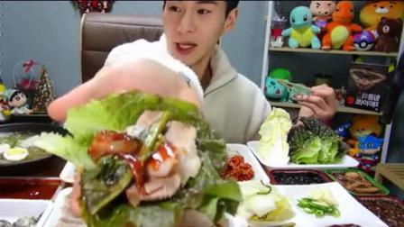 韩国吃播大胃王奔驰小哥吃生鱼片包饭和一桌美食