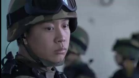 战士看守销毁人民币, 一捆钞票掉脚下, 实际是上级在考察他!