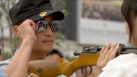 刘晓洁这打枪的手法了厉害了,街头惊现炸弹试探吴京