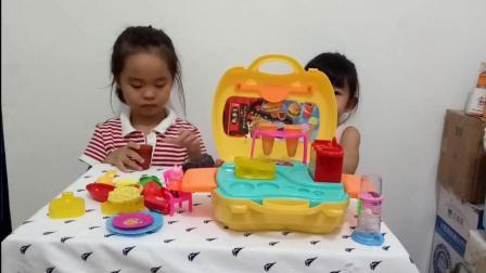 小猪佩奇主题乐园 粉红小猪制作蛋糕冰淇淋玩具  趣盒子游戏