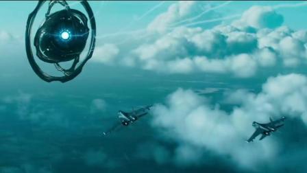 《莫斯科陷落》俄军的战备看来也是一般, 外星物体都到了眼前才有所动作