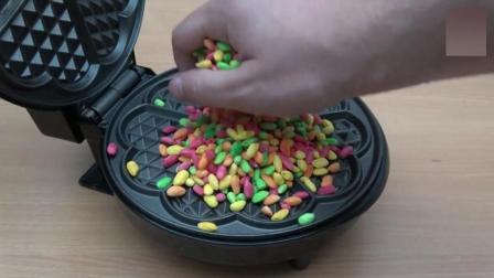 实验, 将彩虹糖果放电饼铛加热, 掀开锅瞬间有点尴尬