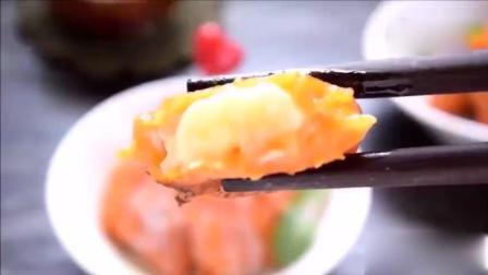 【奶香南瓜香蕉饼】简单的甜点, 最后用炼奶更增加南瓜香蕉饼的香味。 