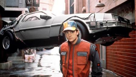 坑死老爸, 坑苦老妈, 男孩穿越时空引发的惨剧 5分钟看完科幻喜剧片《回到未来2》