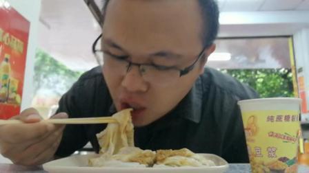 中国吃播 云哥早餐品尝广东特色美食石磨肠粉配豆浆味道不一般