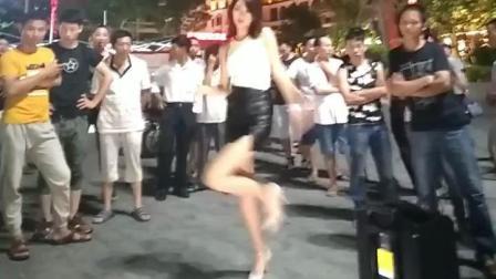 福建广场舞才是最漂亮的 大姐姐身材性感完美 女神穿短裤好漂亮