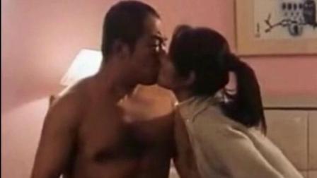 林心如与张铁林激情床戏, 主动索吻皇阿玛辣眼睛!