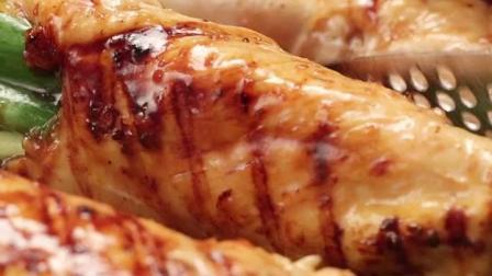 美食的诱惑 制作超级美味的香葱鸡肉卷!