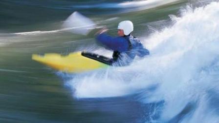 玩水上冲浪_美女们_