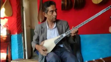 新疆伊犁大叔弹奏民族音乐, 很有西域风情
