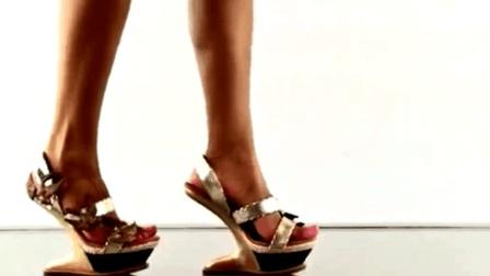 时尚: 高跟鞋如铁镐, 一般美女还是不要挑战的好