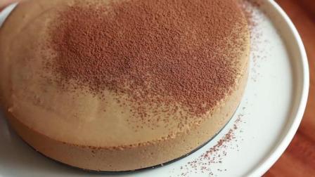 问: 咖啡慕斯冻饼怎么制作?