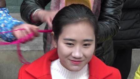 大凉山最最美丽彝族姑娘出嫁了全村人都来送行