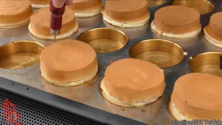 伦敦街头特色蛋糕制作