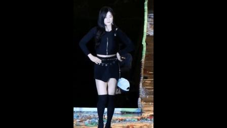 饭拍韩国女子组合Apink朴初珑热舞, 女神舞姿太妩媚了!