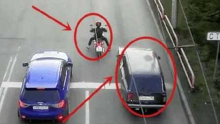 面对摩托车的故意挑衅, 小车司机怒了