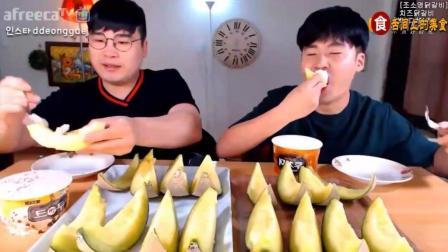 韩国吃播大胃王: donkey兄弟吃16块冰淇淋哈密瓜