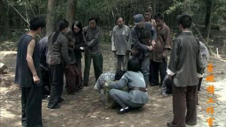 日本女人为了救两个孩子被地雷炸伤