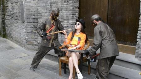 搞笑! 合影一次二十元, 实拍四川成都街头小贩