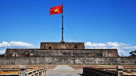此国曾是中国领土, 刚独立不久就侵略中国, 结果被他下令打到亡国