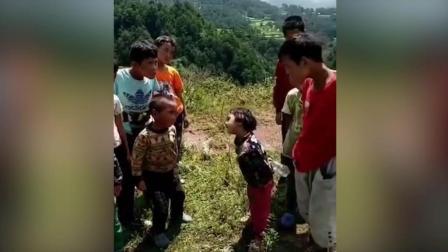 搞笑 小孩战斗一触即发, 敌军还有30秒到达现场