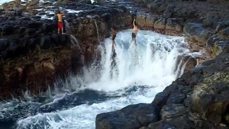 """美国夏威夷这个""""泳池""""告诉你什么是死亡之池 每年几万人去那体验死亡的感觉"""