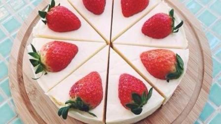 手把手教你做草莓奶油蛋糕, 只需5分钟, 轻松解决早餐, 好吃到爆
