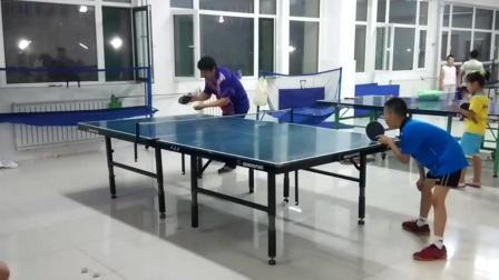 乒乓教练被学生挑战, 教练结果怎样自己看