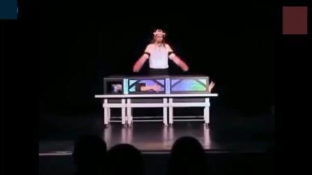 最严重的魔术表演失败, 没想到助手直接挂掉!