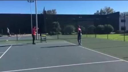 海特网球教学-西班牙精英网球-底线正手凌空抽球训练