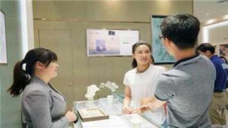 吴敏霞夫妇挑婚戒 婚礼将戴百万皇冠