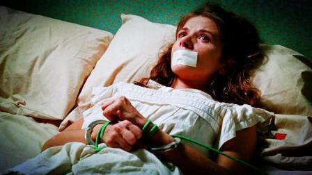女子遭绑架却主动献身绑匪, 2分钟看完电影《捆着我绑着我》