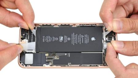 视频欣赏: iPhone 8 开箱、快速设置