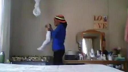 纳米比亚一保姆残忍虐待女婴遭指控已被逮捕