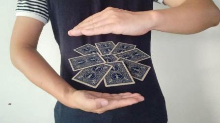 扑克牌悬浮, 简单又好玩的撩妹小魔术