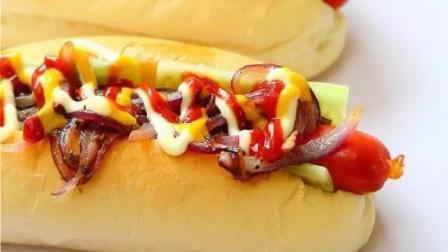 热狗不只是面包加火腿肠, 2分钟教会你4种不同口味的热狗!