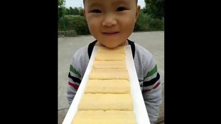 好可爱啊的龙猫面包, 美女小心嚼呀!